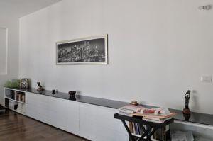שידה לסלון בצבע לבן